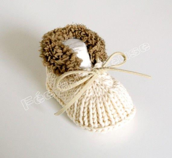 Chaussons bébé tricotés( Ecru-marron)