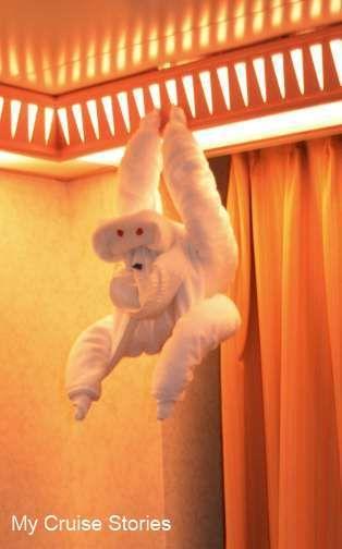 Folding towel monkeys