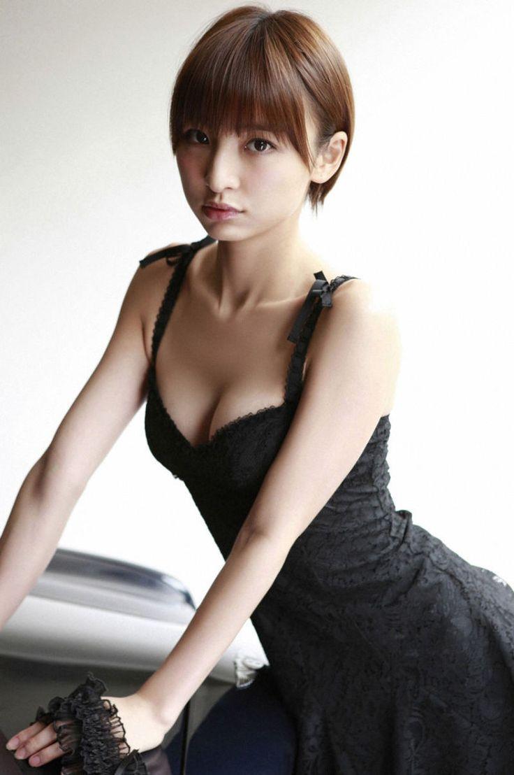 『【水着 画像】AKB 篠田麻里子【カップ】【ソロ Twitter Pendulum Diary】』