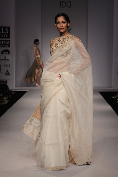 Samant Chauan SS 2014. Wills Lifestyle Fashion Week. Federal Design Council of India. New Delhi. VOGUE.it