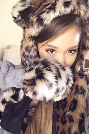 Santa tell me if you're really there. Don't make me fall in love again if you won't be here next year~ Ariana Grande