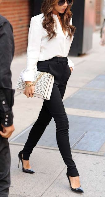 White shirt, black skinny pants, black pumps and white handbag. Victoria Beckham. What other basics should you have in your wardrobe? >>> http://justbestylish.com/summer-basics-you-should-have-in-your-wardrobe/