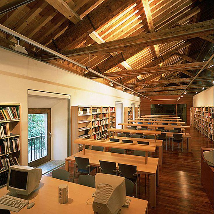 Ideas de #Sala de musica, Oficina, estilo #Tradicional color  #Ocre,  #Blanco,  #Plateado,  #Bronce, diseñado por José Manuel Sanz  #CajonDeIdeas