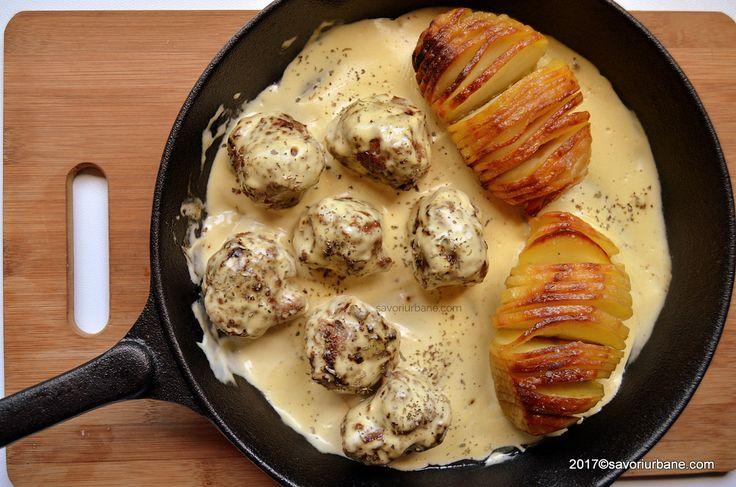 Chiftelute suedeze in sos de mustar - Köttbullar. O reteta de chiftelute cu sos de mustar si smantana, foarte usor de preparat. Le gasiti si la IKEA.