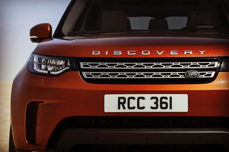 The new Land Rover Discovery 5 has been revealed. More at disco5forums.co.uk #landroverdiscovery #discovery