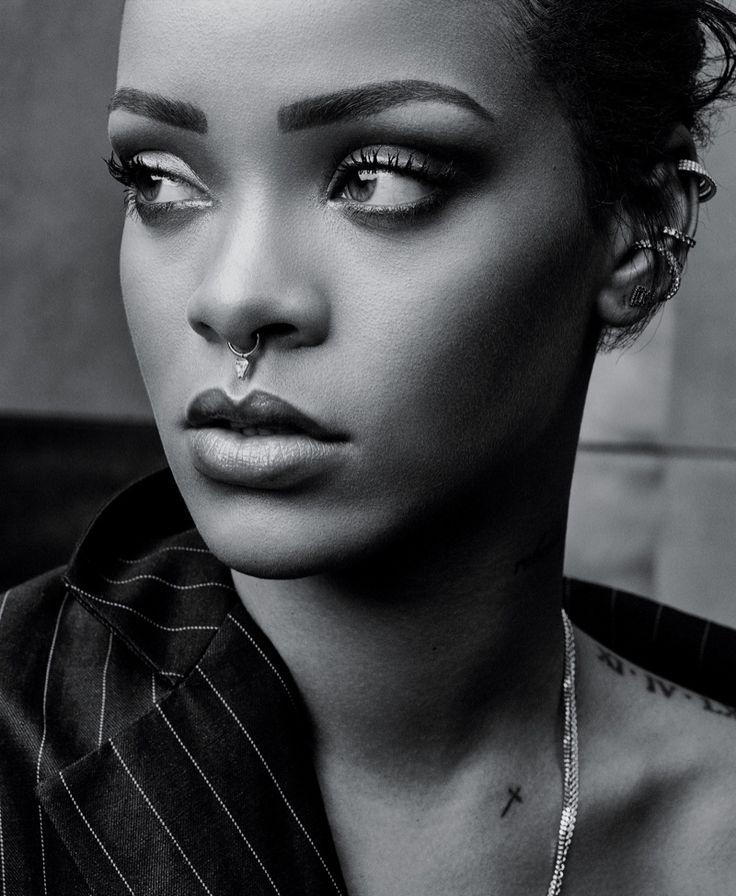 Rihanna portada T Style Magazine