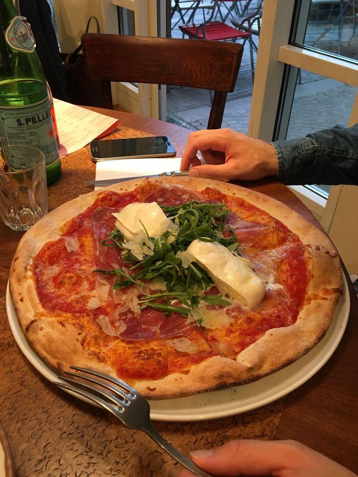 Tialini Pizza im tialini Freiburg in Freiburg im Breisgau. Lust Restaurants zu testen und Bewirtungskosten zurück erstatten lassen? https://www.testando.de/so-funktionierts