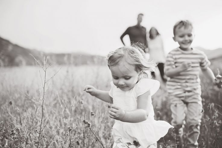 beautiful family portraits. a few posed but mostly action. i love this shot!