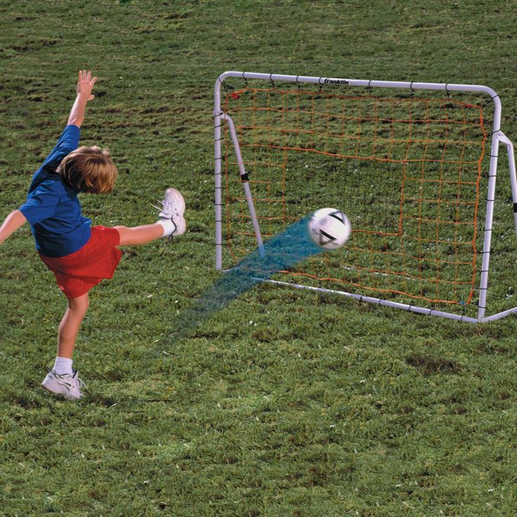 Franklin Adjustable Soccer Rebounder, Multicolor