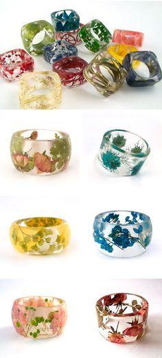 Anillos de resina con flores naturales