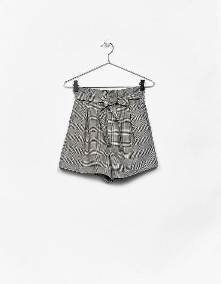 Tailored shorts with bow belt - Shorts - Bershka United States