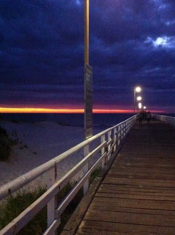 Twilight, Henley Beach Adelaide South Australia. Photo, Tania Cavaiuolo
