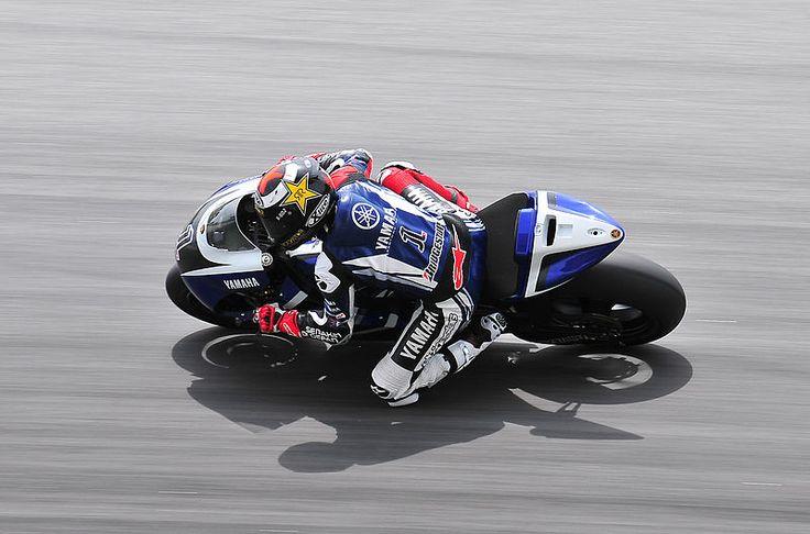 Imagen de Jorge Lorenzo. Noticia sobre la próxima carrera del Mundial de MotoGP en el circuito de Assen. La página de apuestas deportivas Bet365 ya tiene las cuotas para poder hacer las mejores apuestas por el ganador.