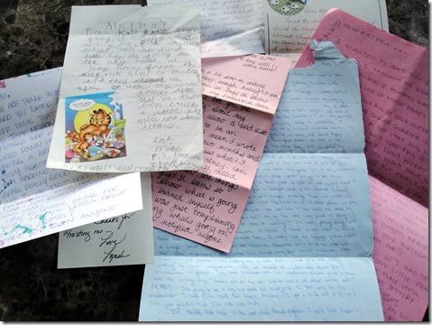 brieven schrijven en van je mooiste postpapier altijd één setje blanco bewaren....