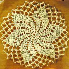Tecendo Artes em Crochet: Toalhinha amarela linda!