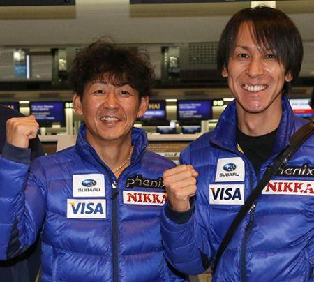 昨年12月、W杯欧州遠征へ出発前に笑顔で気合を入れる岡部孝信(左)と葛西紀明 ▼12Mar2014スポニチ 葛西 岡部引退にびっくり!「NOーーー!!」「マジか」 http://www.sponichi.co.jp/sports/news/2014/03/12/kiji/K20140312007758990.html #Takanobu_Okabe #Okabe #Noriaki_Kasai #Kasai #ski_jumping
