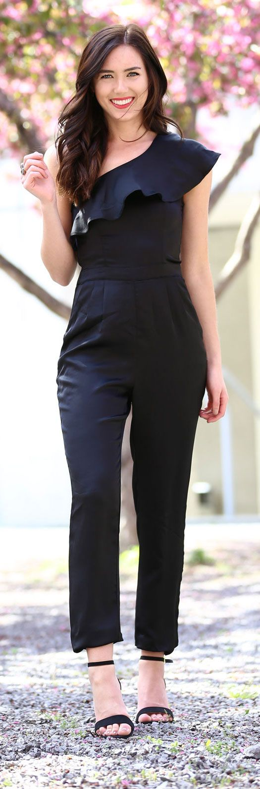 LOVE a good jumpsuit that fits perfectly and is so flattering! The one shoulder ruffle detail is beautiful on all body types! Perfect outfit for wedding guest! From Dynamite Clothing and less than $60! By Fashion blogger Marie's Bazaar
