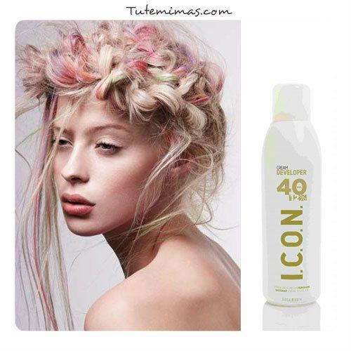 #ICON #Cream #Developer está diseñado para potenciar y actuar en perfecta sintonía con la línea de color Icon #Ecotech. Agua oxigenada de 10, 20, 30 ó 40 Volúmenes, con la que obtendrás un color duradero manteniendo tu cabello perfectamente sano y consiguiendo un color duradero, sin que quede seco o apagado, con los tintes permantentes de Icon Ecotech, su oxidante Icon Cream Developer y su decolorante Icon #Bleach.