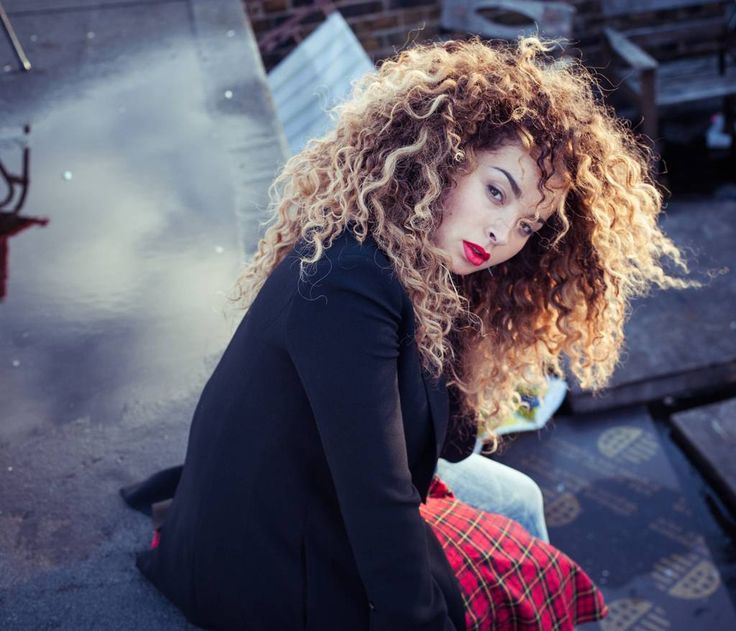 Ella Eyre. Not many people are blessed with such an amazing voice and such incredible hair!