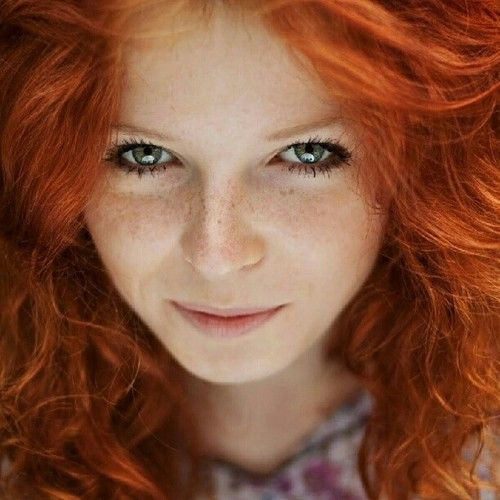 real-redhead-with-green-eyes
