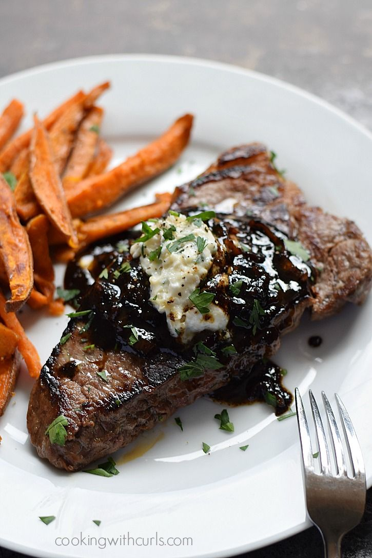 Pub-Style Steak with caramelized shallots and roasted garlic, goat cheese, and chives butter - Delicious!! cookingwithcurls.com