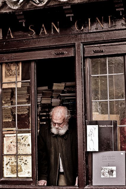 Untitled © kelly.kaye (Photographer, Vancouver, Canada), via Flickr. Bookstore, Bookshop. Old Man. 21 LIBRERIA SAN GINÉS, Calle del Arenal, Madrid SPAIN ... Promote the Arts. Give credit where due. Pin from the Primary Source.
