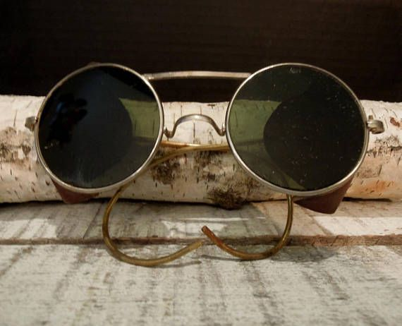 Vintage / Antique Leather Motoring Glasses / Safety Glasses Steampunk Goggles / Tinted Safety Glasses / Spectacles / Industrial / Steampunk  These tinted goggles / glasses are in good vintage / antique condition, there are a very few scratches on the glass, there are no nicks along