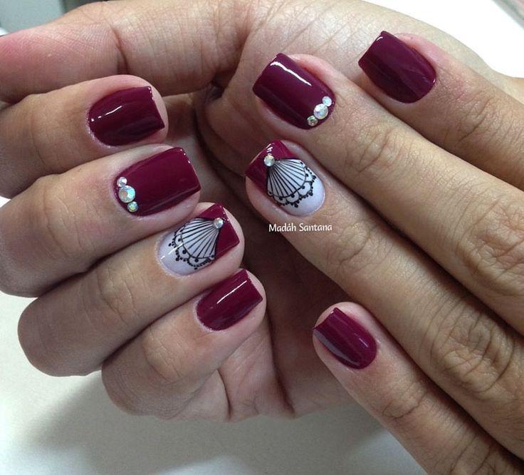 """421 Me gusta, 12 comentarios - Ateliê Madáh Santana (@madahsantana) en Instagram: """"Nails #linda #rendinha #aplicação #strass #madahsantana #manicure #nailart #naoéadesivo…"""""""
