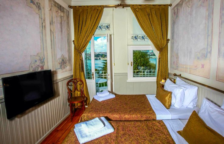 Troya Balat standart sea-view room: http://www.troyahotelbalat.com     #hotel #Istanbul #holiday