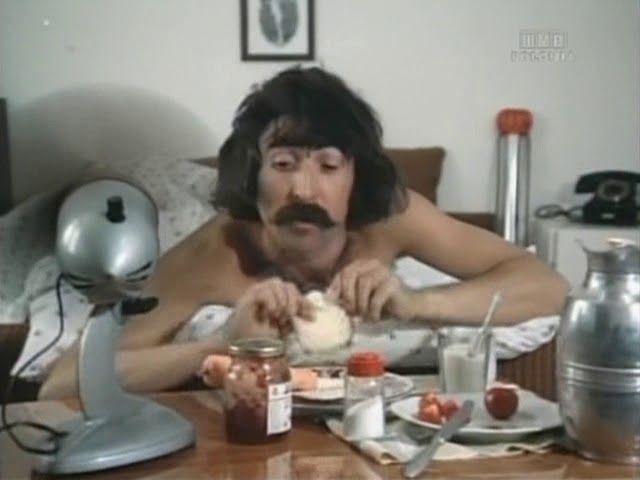 """""""Spacer pod psem"""" (1974) – film krótkometrażowy"""
