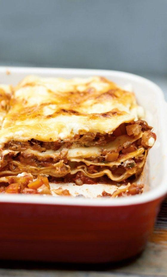Pilz-Lasagne: Eine vegetarische Variante des italienischen Klassikers, mit Champignons, Möhren und Sellerie.