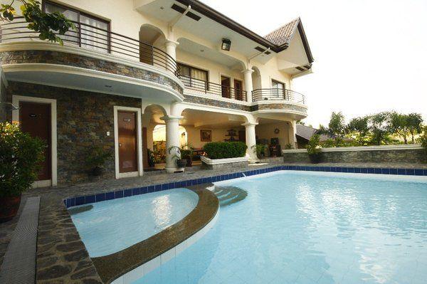 Casa Primera VILLA 1: Private Resort Hot Spring Pool in Laguna