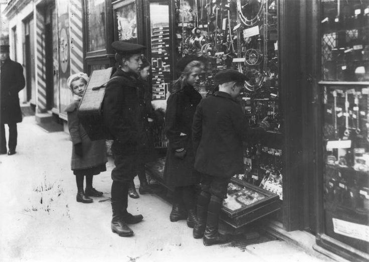 Alle leger | Sang og leg i gaden | Historier om København | Udforsk