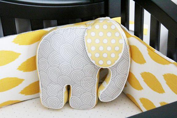 enxoval de berço amarelo com elefante