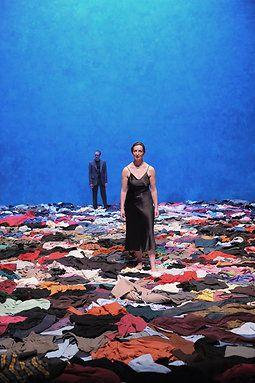 Médée   Sylvie Kleiber (Scénographe), Iguy Roulet (Lumières), David Scrufari (Création son) Mark Lammert (Scénographie de l'espace Heiner Müller), Lili Auderset (Production) #clothes