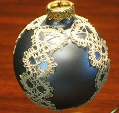 finished christmas ball  (bobbin lace)
