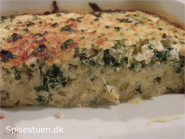 Proteinrig, hurtig og lækker aftensmad. Jeg har brugt en rest blomkålsrismed lidt grønkål i. Man kunne sagtens putte andre grønsager i, der er dampet eller svitset kort. Hvis man bruger hytteost 1…