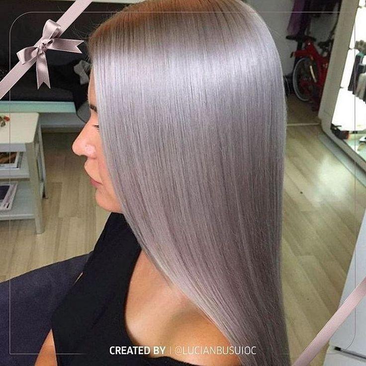 В зимних холодах тоже есть свое очарование. Они, к примеру, вдохновляют на такие окрашивания в пепельный оттенок с «ледяным» металлическим отливом. Чтобы превратить волосы в стальную гладь, @lucianbusuioc использовал сначала Koleston Perfect Special Blonde 12/0 (20 г) + 12/81 (20 г) + 12/89 (20 г) + 12%, а затем Color Touch Instamatic (40 г «Дымчатый аметист» + 10 г «Океанский шторм» + 10 г «Лиловый рассвет» + 1,9%). #wellahair_ru #WellaProfessionals #KolestonPerfect #Instamatic…