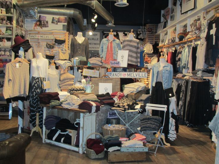 brandy melville store | Stores have been popping up all over US and Canada in the last 5 years ...
