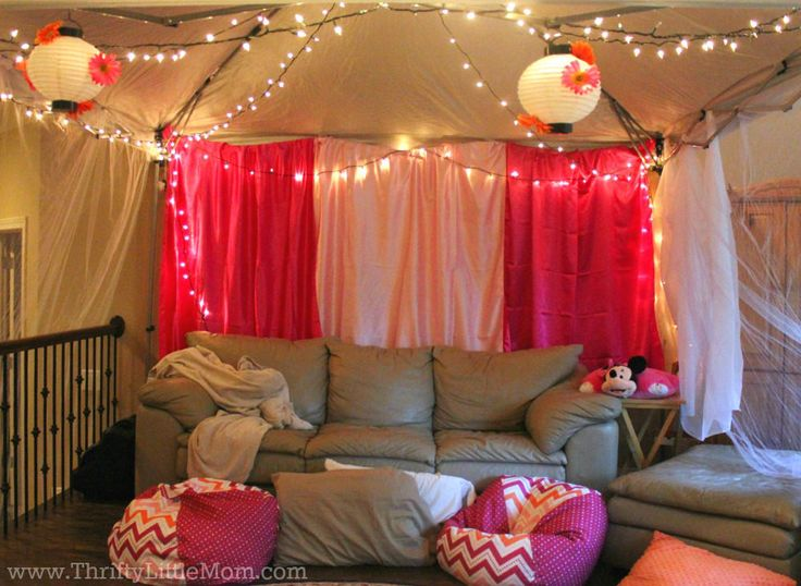 Indoor Movie Tent Display