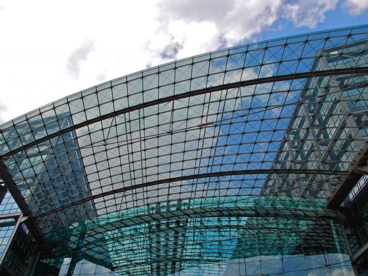 La gare principale de #Berlin : un des nœuds de communication les plus efficaces d'Allemagne.