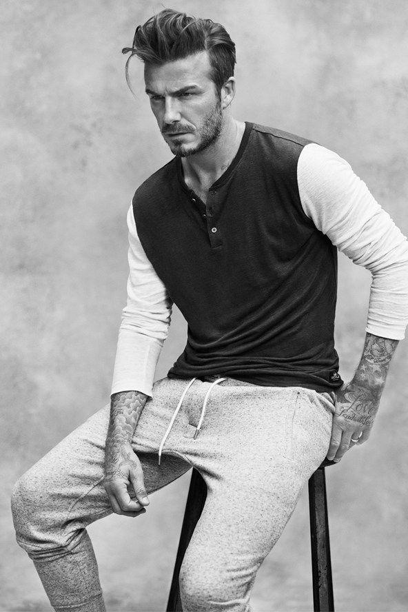 David Beckham fechou parceria com a H&M para uma nova colaboração, quevai além da játradicional linha de underwear. O ex-jogador de futebol e marido da estilista Victoria Bekcham assinou uma curadoria com suas peças masculinas preferidas da coleção de Verão 2015 da linha Modern Essentials da fast fashion. A novidade, intitulada Modern Essentials Selected by David Beckham, inclui uma jaqueta bomber de linho, uma jaqueta jeans, um blazer de linho, uma camisa polo e uma camiseta branca de ...