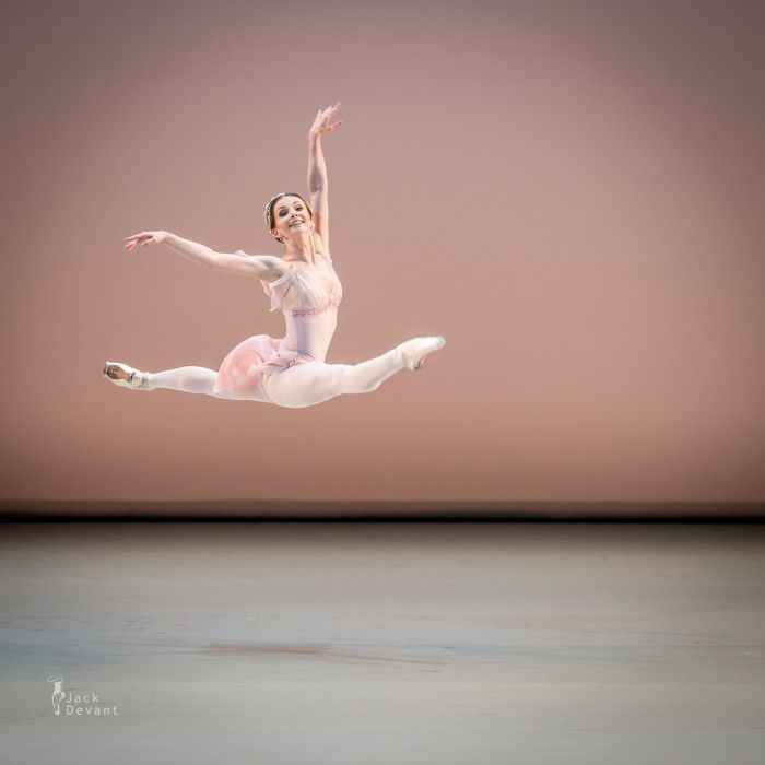 pin by rwfn on バレエ in 2020 ballet photography dance pictures russian ballet