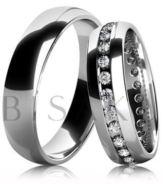 B31 Snubní prsteny z bílého zlata celé v lesklém provedení. Dámský prsten zdobený kameny. #bisaku #wedding #rings #engagement #svatba #snubni #prsteny