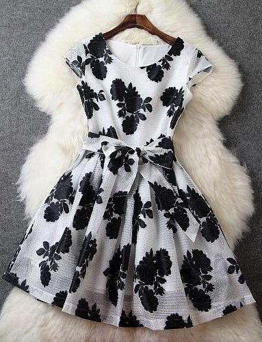 Sleeveless Floral Dress - Black
