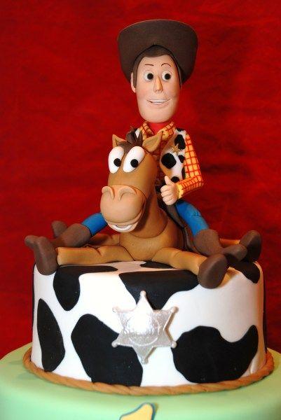 "Toy Story News  ""Woody flattens Bullseye!"""