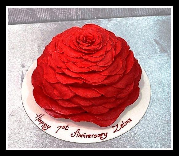 anniversary cake in dubai