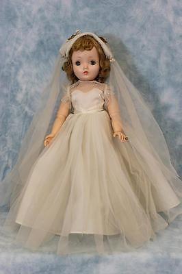 18-1950s-Madame-Alexander-Cissy-face-Binnie-Walker-Doll-Bride-Gown-Original