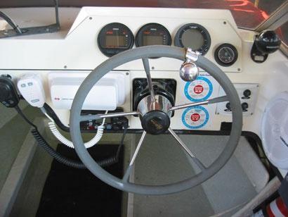 Haines Hunter V17L dive boat instrument panel