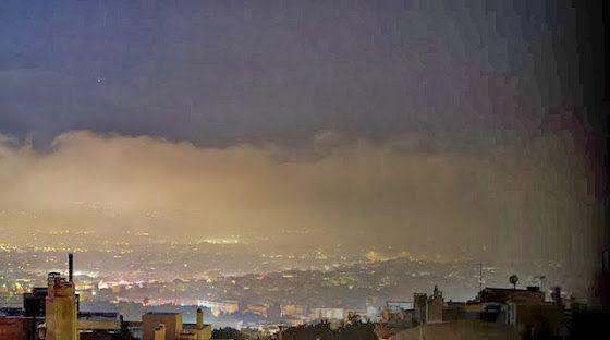 Πνίγηκε τη νύχτα η Αθήνα από τα τζάκια